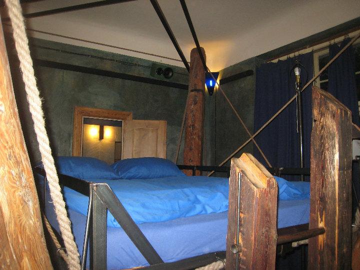 propeller island city lodge west berlin germany. Black Bedroom Furniture Sets. Home Design Ideas